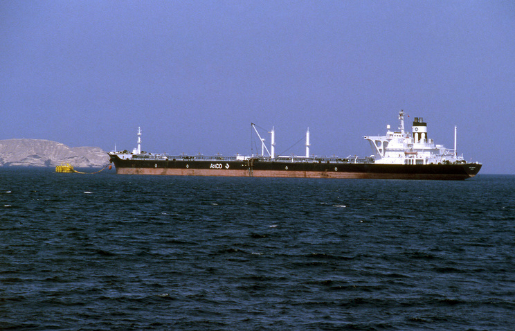 Oil rises on tensions after Middle East tanker attacks