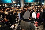 """Пассажиры в аэропорту """"Домодедово"""" после взрыва"""