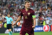 Капитан сборной России Василий Березуцкий после гола в ворота англичан на чемпионате Европы-2016