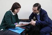 Супруга Ильдара Дадина Анастасия Зотова и адвокат Николай Зборошенко