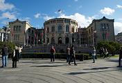 Вид на здание парламента Норвегии