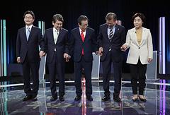 Ю Сын Мин, Ан Чхоль Су, Хон Чжун Пхё, Мун Чжэ Ин и Сим Сан Чжон — пятеро наиболее сильных участников президентской гонки
