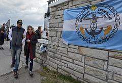 Родственники членов экипажа подводной лодки San Juan
