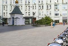 Площадь на пересечении Столешникова переулка и улицы Петровки