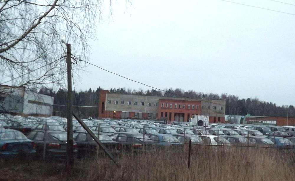 Часть территории испытательного полигона ФИИЦМ сдана в аренду оптовым продавцам автомобилей