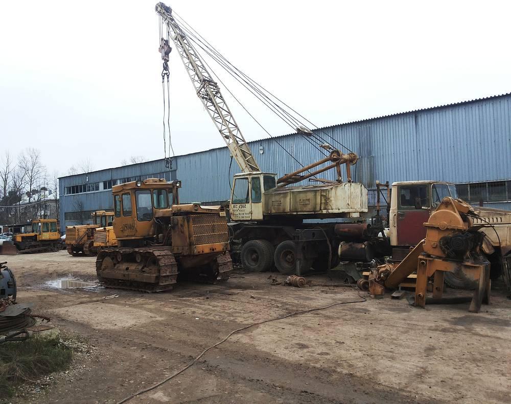 На территории ФИИЦМ расположены предприятия по ремонту спецтехники