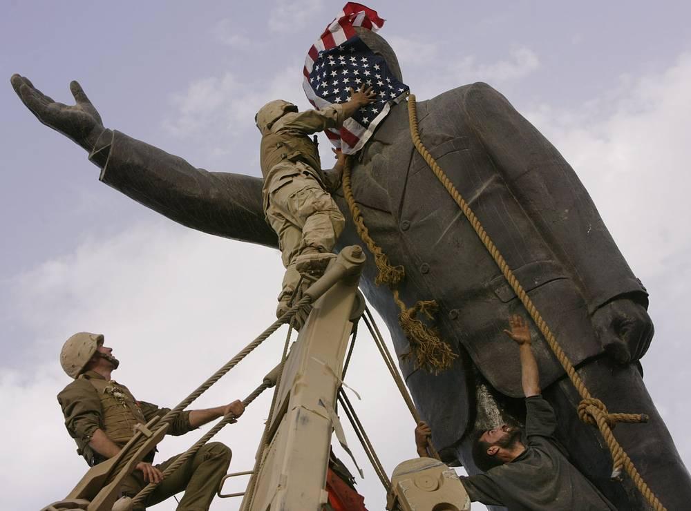 Демонтаж военными США памятника Саддаму Хусейну в Багдаде, 9 апреля 2003