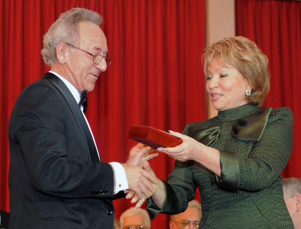 70-летие Юрия Темирканова, 2008 г. (справа - на тот момент губернатор Санкт-Петербурга Валентина Матвиенко)
