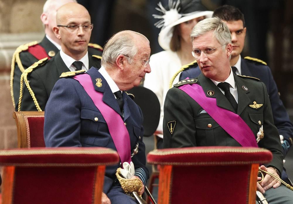 Шестой король бельгийцев Альберт II объявил 3 июля в телеобращении к нации о своем решении отречься от престола. 21 июля года в национальный праздник Бельгии День присяги короля на бельгийский престол взошел принц Филипп