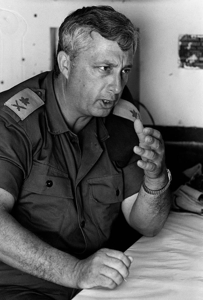 Генерал-майор Ариэль Шарон перед началом Шестидневной войны, 29 мая  1967 г.