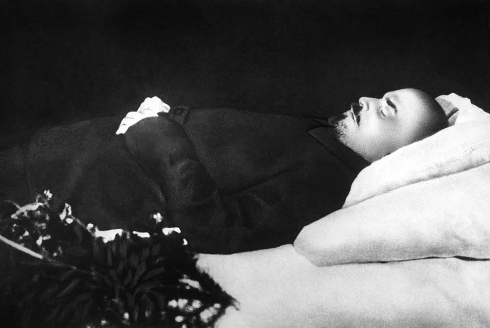 Тело Владимира Ленина