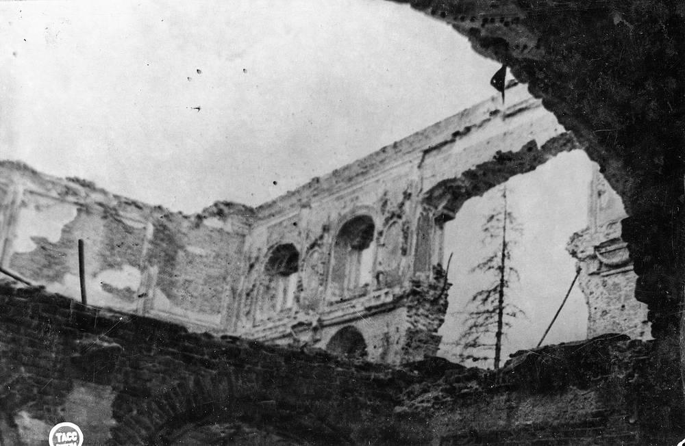 Руины Большого дворца