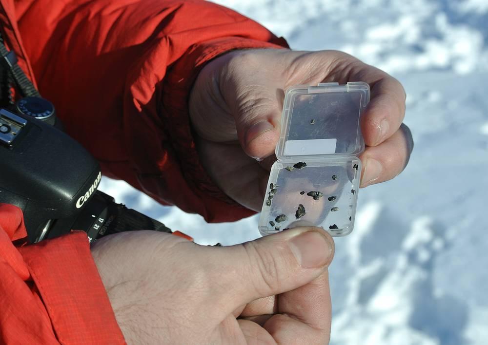 Осколки метеорита, найденные в районе озера Чебаркуль