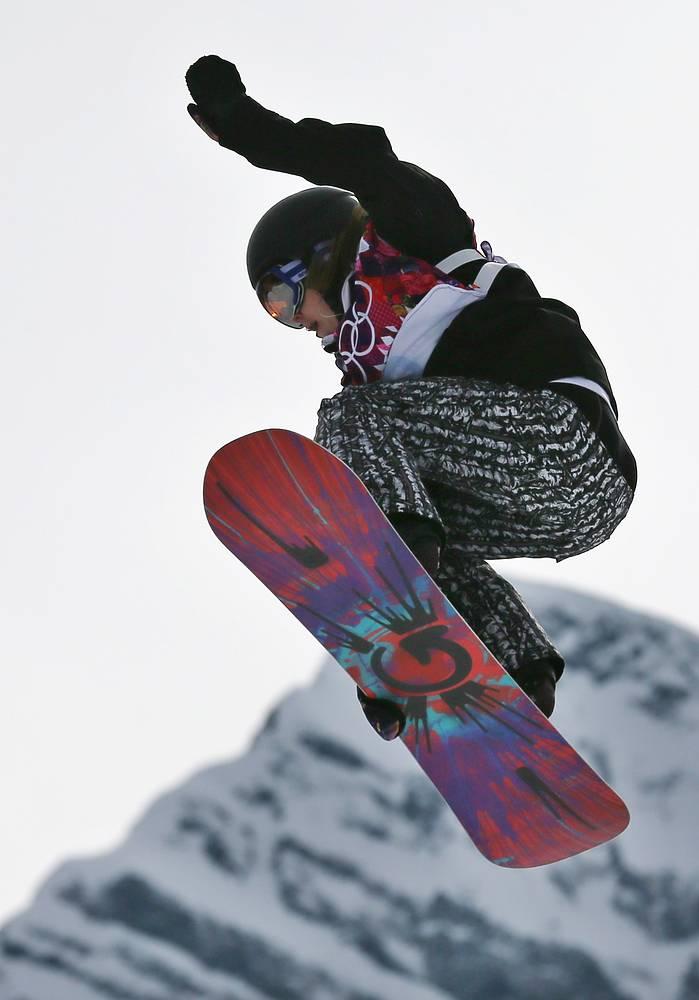 Финская сноубордистка Энни Рукаярви в финале соревнований