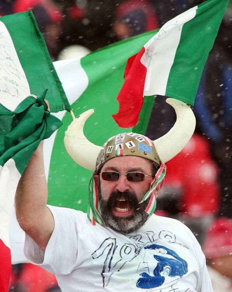 Итальянский болельщик на зимних олимпийских играх в Турине, 2006 г.