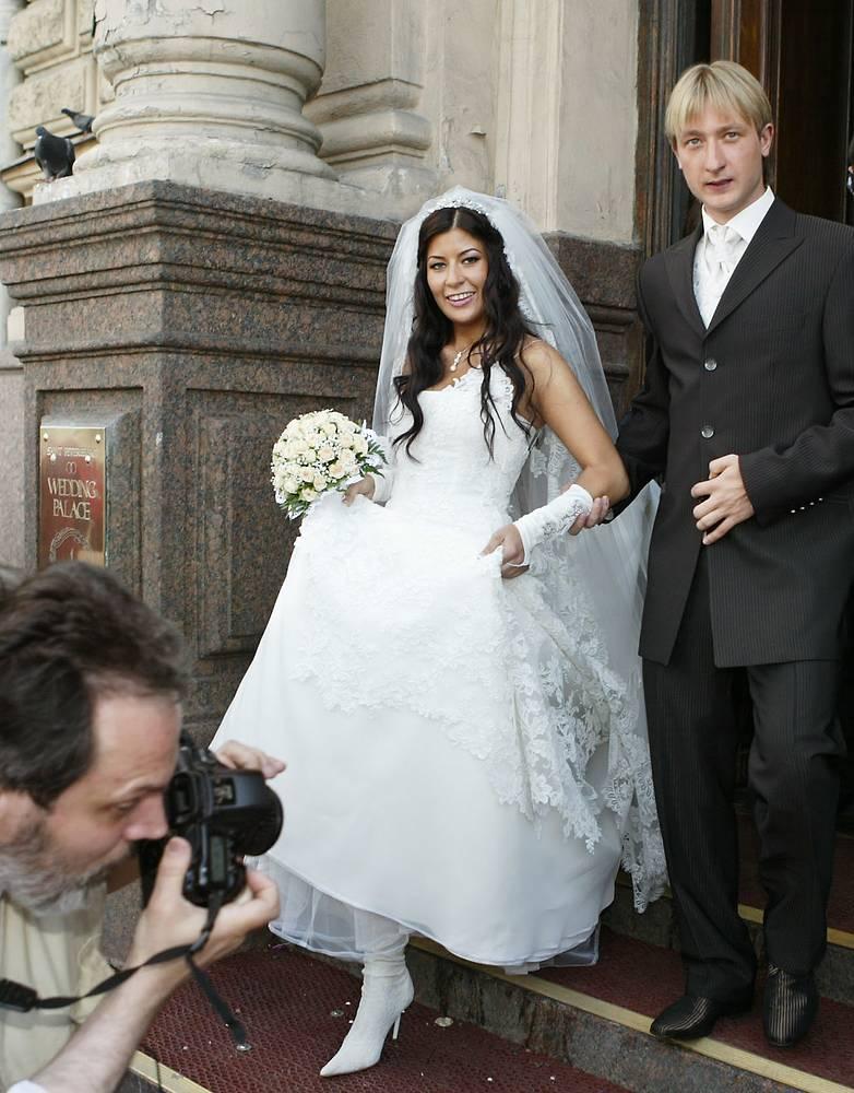 В июне 2005 года Плющенко женился на Марии Ермак. Пара развелась в феврале 2008 года