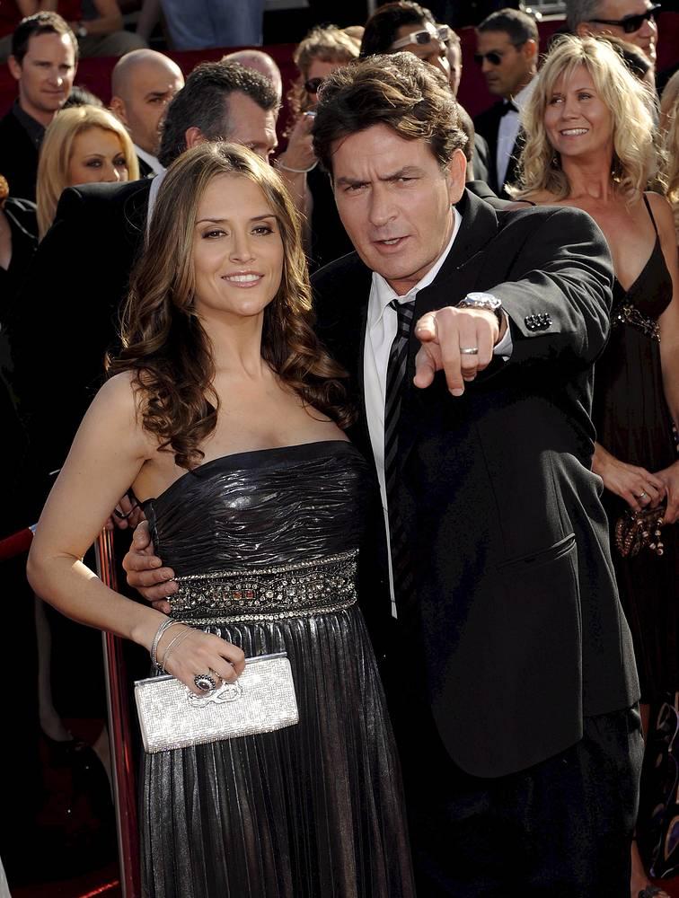 Шарли Шин и его третья супруга Брук Мюллер. Они поженились в 2008 году