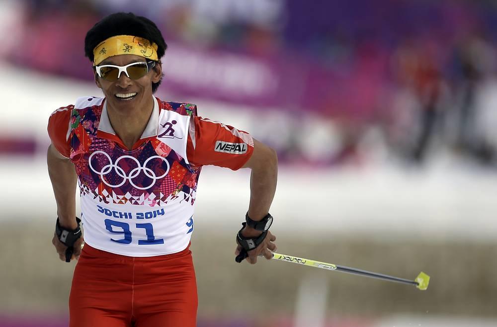 Олимпиада в Сочи для Непала – четвертая в истории страны. В третий раз подряд единственным представителем Непала на зимних Олимпийских играх стал лыжник Дачири Шерпа