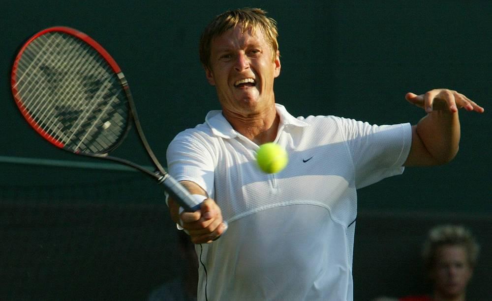 В 2003 году Евгений завершил спортивную карьеру