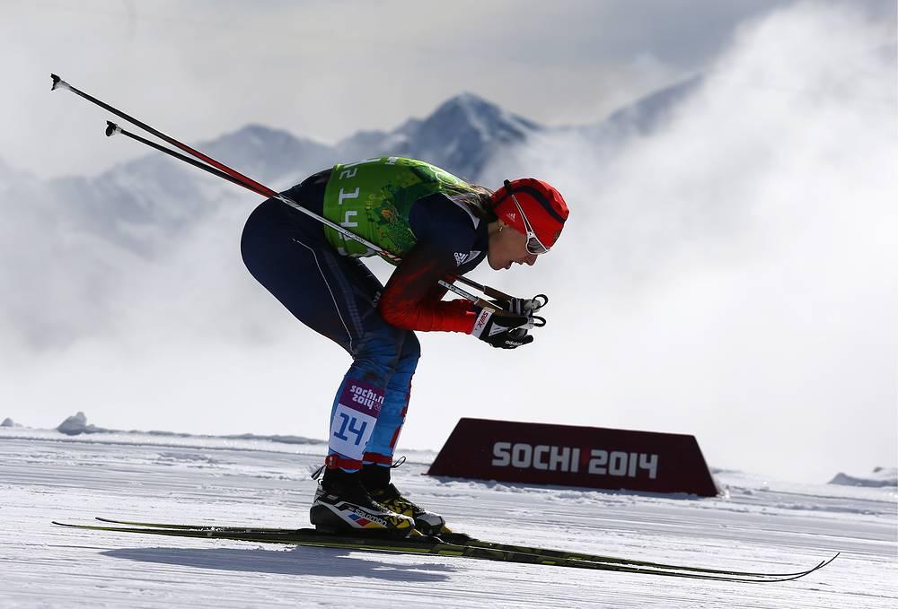 Россиянка Юлия Иванова в командном спринте классическим стилем