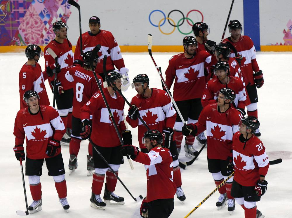 Сборная Канады по хоккею вышла в финал Олимпиады в Сочи. В полуфинальном матче канадцы победили команду США со счетом 1:0