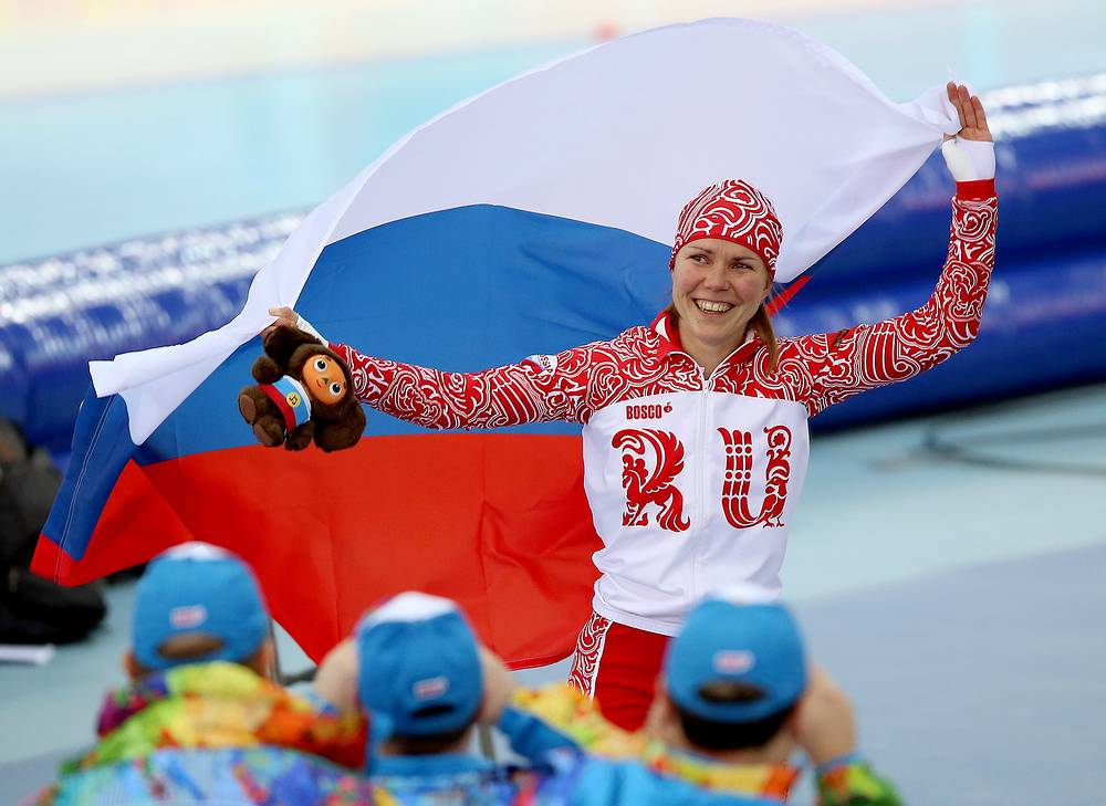 Конькобежка Ольга Граф заняла третье место на дистанции 3000 м. Выиграв бронзу, Ольга Граф принесла первую медаль олимпийской сборной России на Играх в Сочи