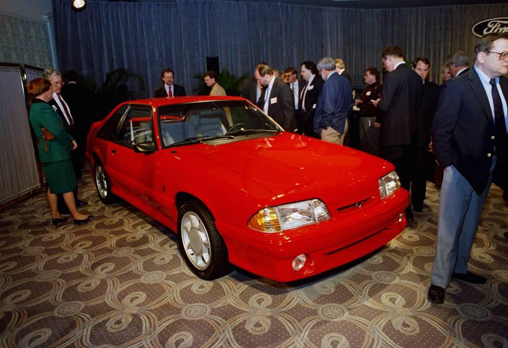 В 1994 году Mustang пережил первый серьезный редизайн за 15 лет. На фото: 1993 Ford Mustang Cobra
