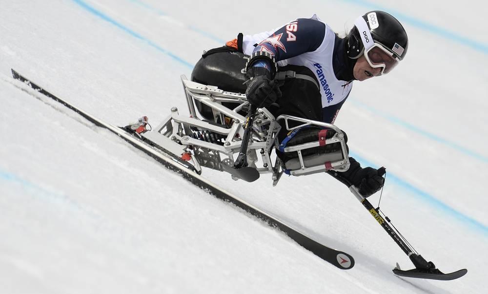 "Американка Лори Стивенс во время соревнований в супергиганте в категории ""сидя"""