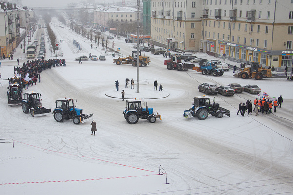 На параде коммунальной техники в Первоуральске