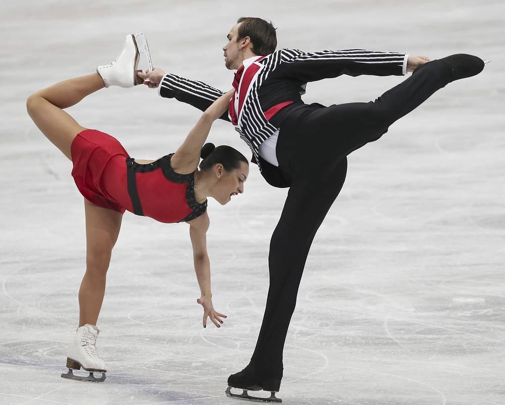 Российская пара Ксения Столбова и Федор Климов завоевали серебряные медали в соревнованиях спортивных пар на чемпионате мира по фигурному катанию