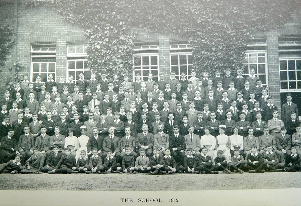Учащиеся и преподаватели Caterham School. Великобритания. 1912 год