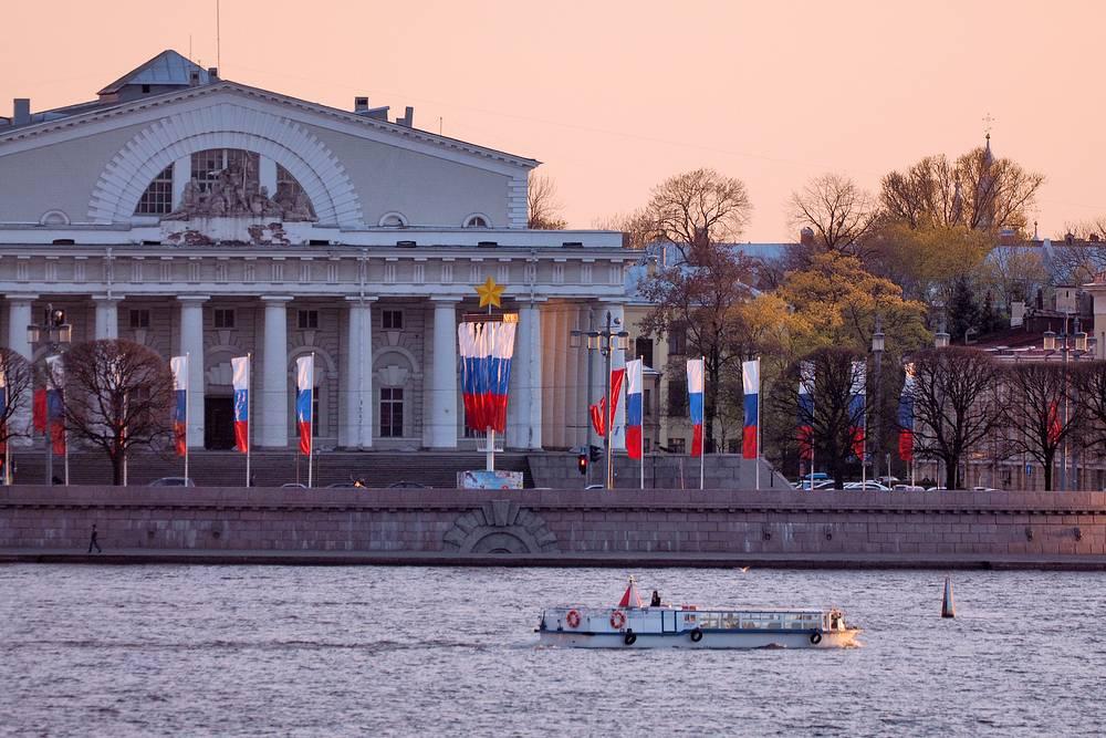 Подготовка Санкт-Петербурга к празднику