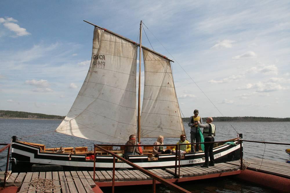 """Ладью """"Рюрик"""" построила группа энтузиастов, взяв за основу скандинавские обводы, но технологии использовали современные"""