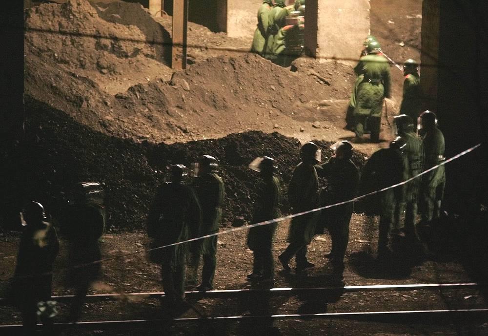 """14 февраля 2005 года произошел взрыв рудничного газа на угольной шахте """"Суньцзявань"""" близ города Фусинь в китайской провинции Ляонин. В результате трагедии погибли 214 горняков, 29 человек получили ранения"""