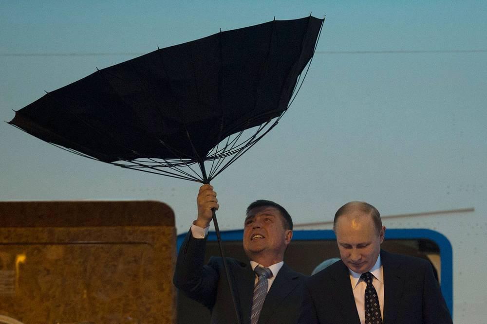 Президент России Владимир Путин 20 мая по приглашению председателя КНР Си Цзиньпина прибыл с официальным визитом в Шанхай