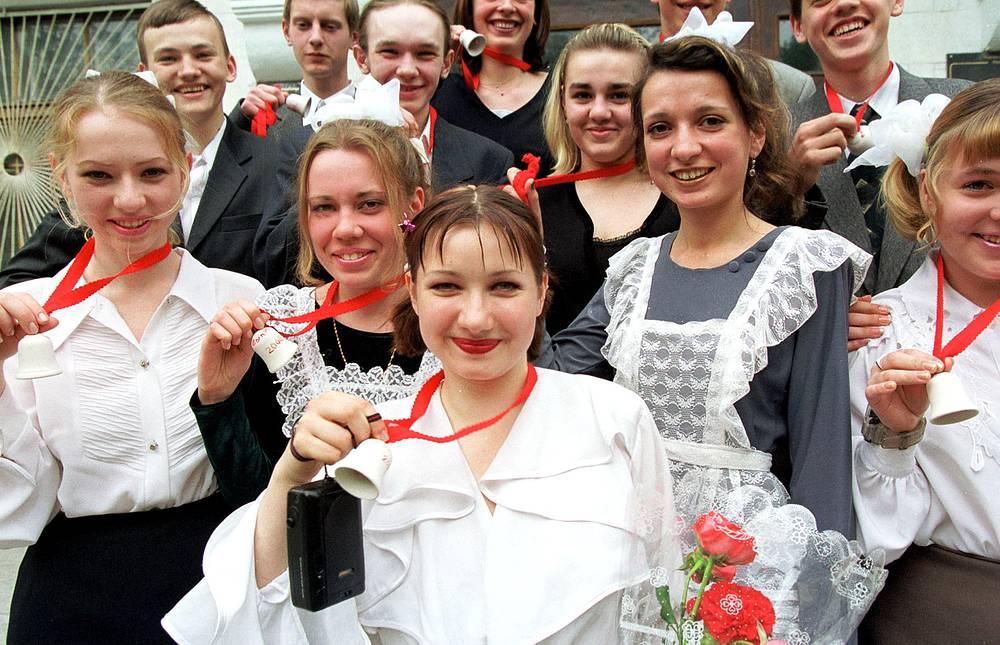 Последний звонок в школе № 29 в Новосибирске, 2000 год