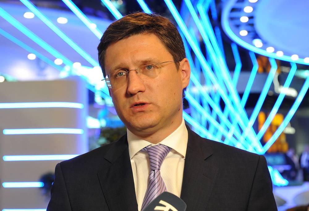Министр энергетики РФ Александр Новак во время интервью в рамках  Петербургского международного экономического форума 2014