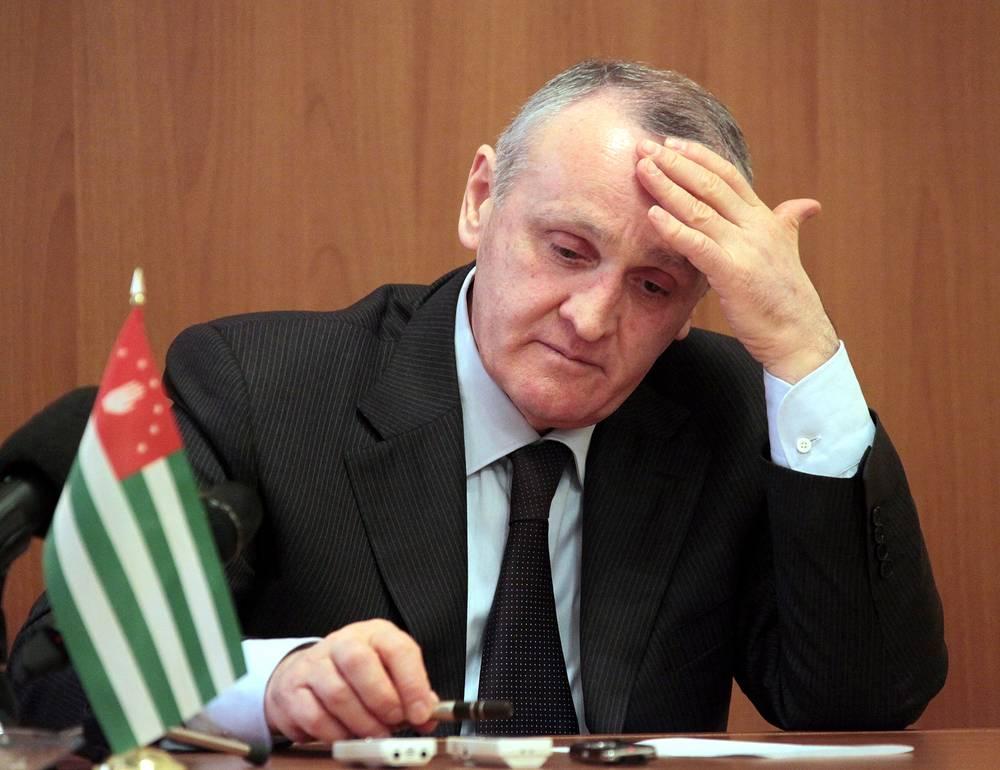 Президент Абхазии Александр Анкваб охарактеризовал проиcшедшее в Сухуме как попытку силового захвата власти