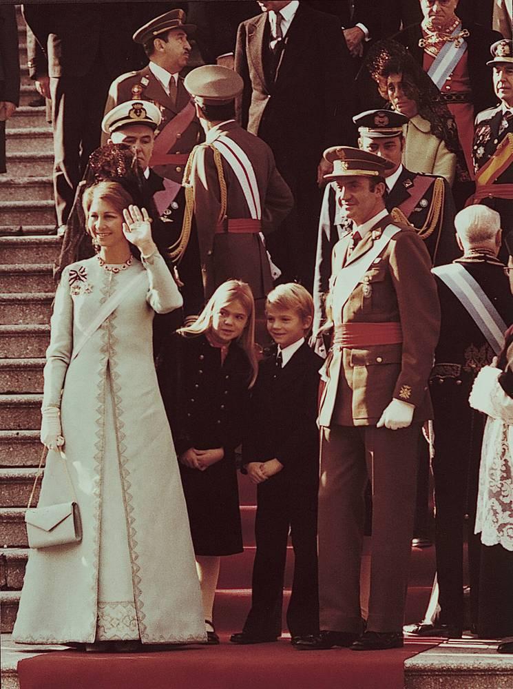 Король Хуан Карлос I, королева София, принц Фелипе и инфанта Кристина, 1975 год