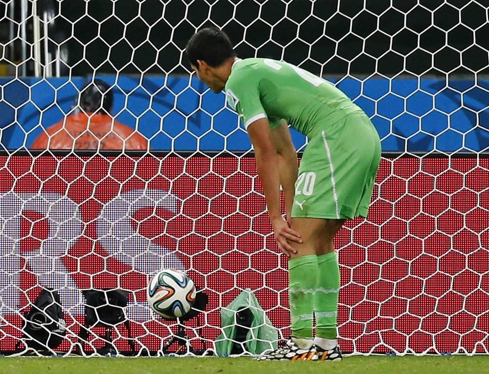 Команда Алжира пропустила гол в дополнительное время матча