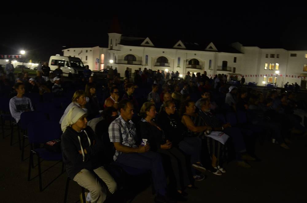 """Вечерней видеопроекция на фестивале """"Фотопарад в Угличе 2013"""""""
