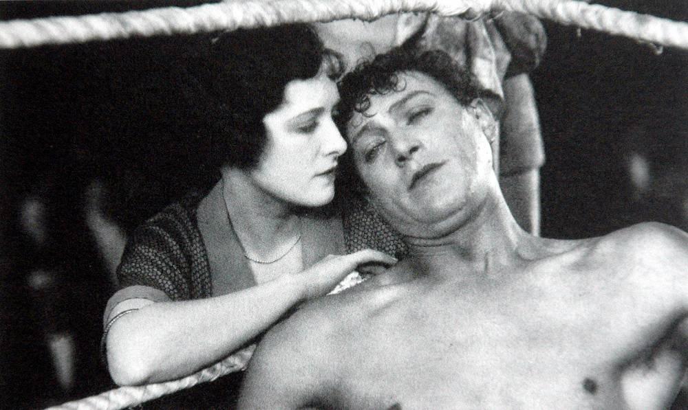 """Фльим """"Ринг"""", 1927 год, 108 мин. В основе сюжета - любовный треугольник"""
