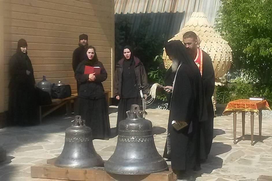 Освящение 14 кололоколов для православного храма святых князей Бориса и Глеба