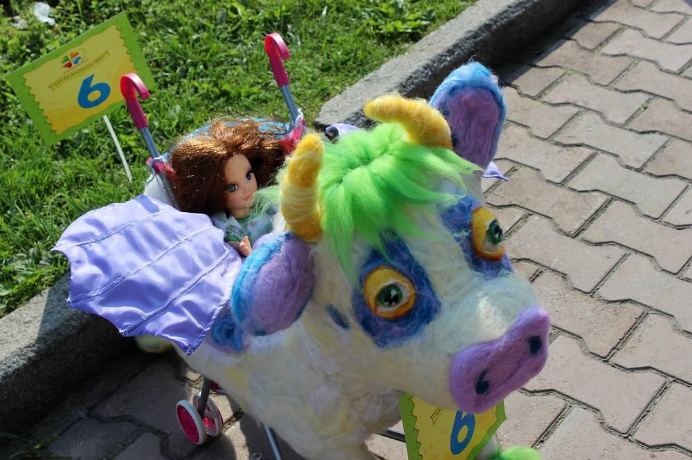 """Лучшая игрушечная коляска - """"Летающая корова из мультфильма """"Тайна Третьей планеты"""""""