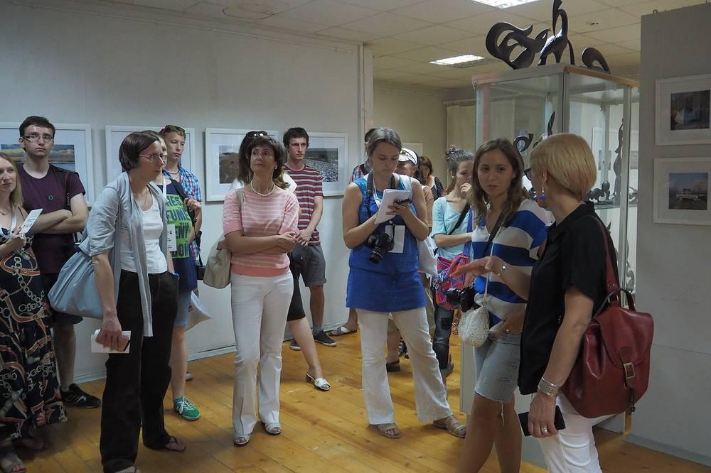 Открытие выставок во Дворце культуры Углича