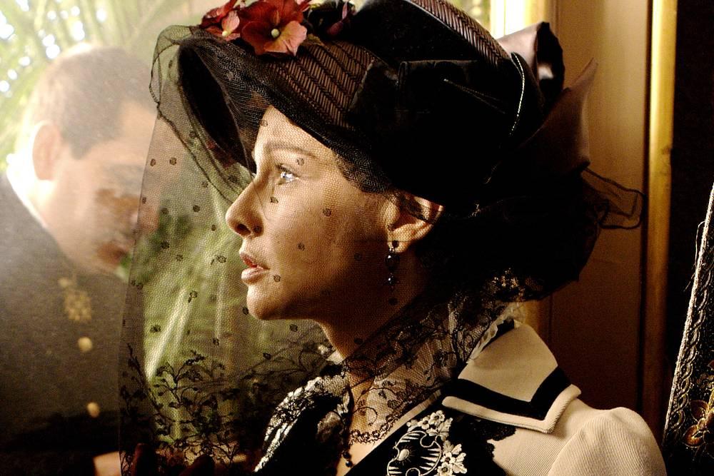 Татьяна Друбич в роли Анны Карениной в одноименном фильме, 2009 год