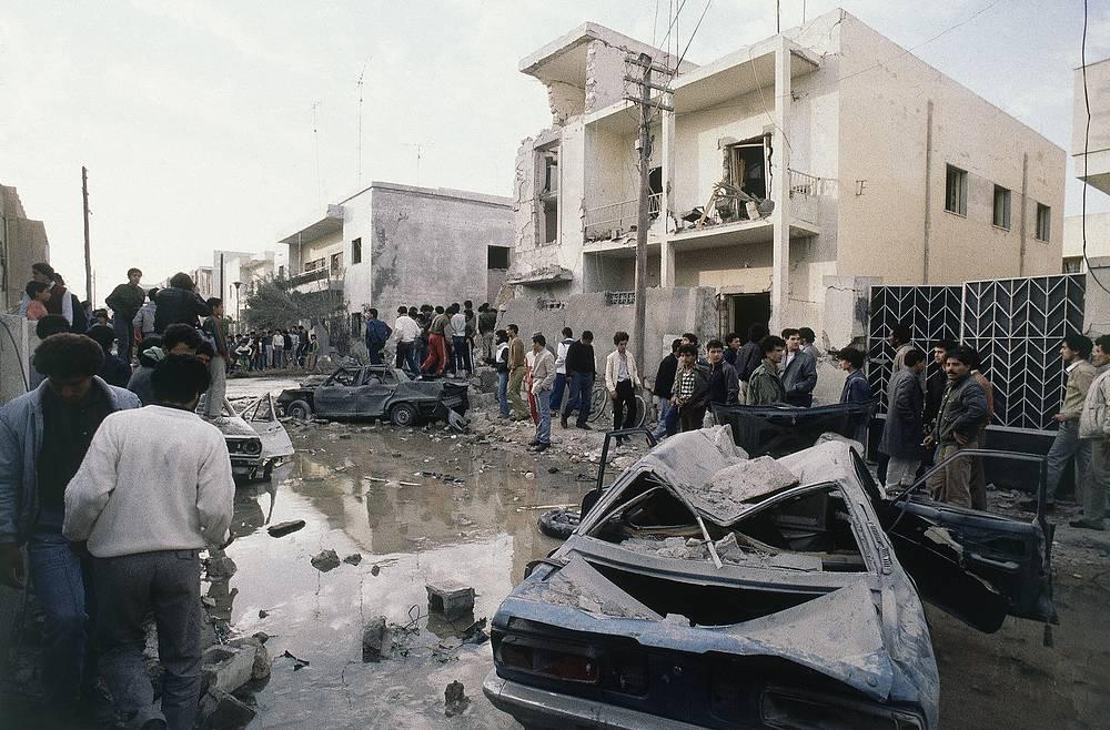 15 апреля 1986 года США нанесли первый удар по столице Ливии Триполи, среди целей была и резиденция ливийского лидера Муаммара Каддафи