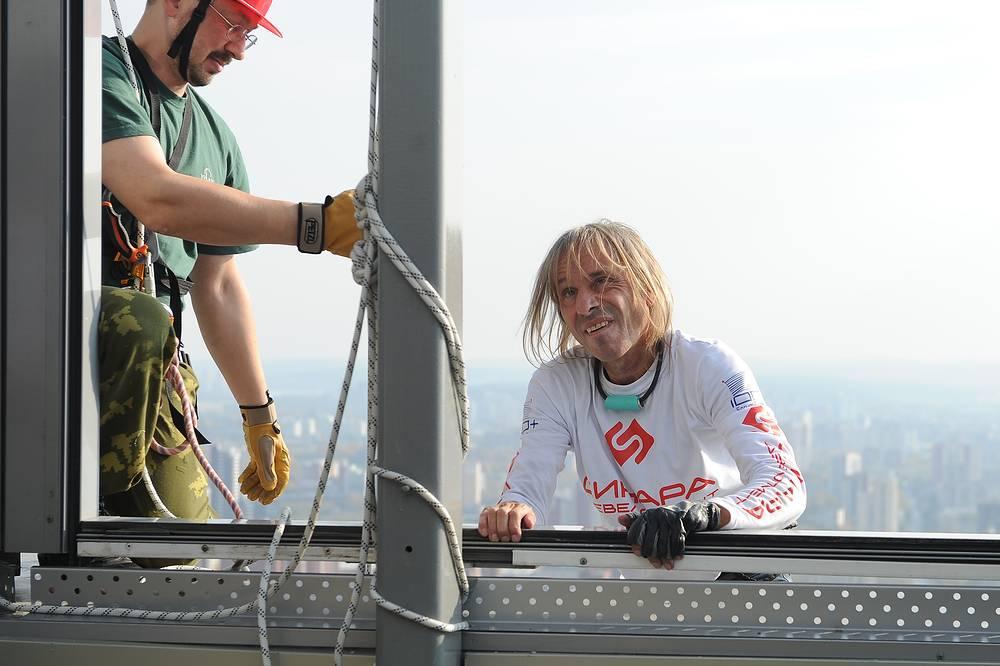 Спортсмен преодолел более 50 этажей