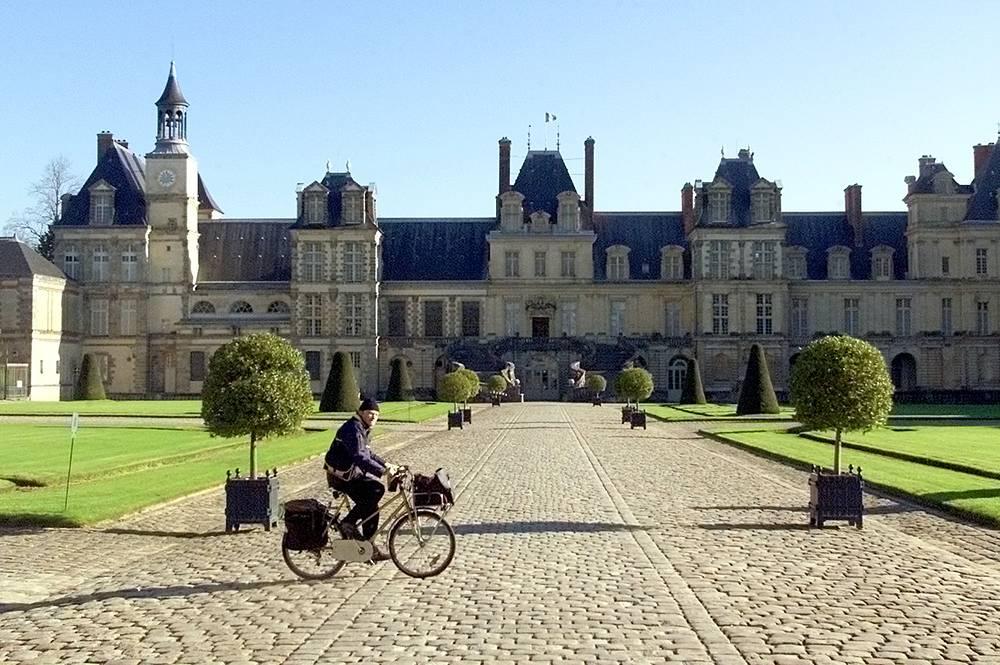 Велосипедист-почтальон, Франция