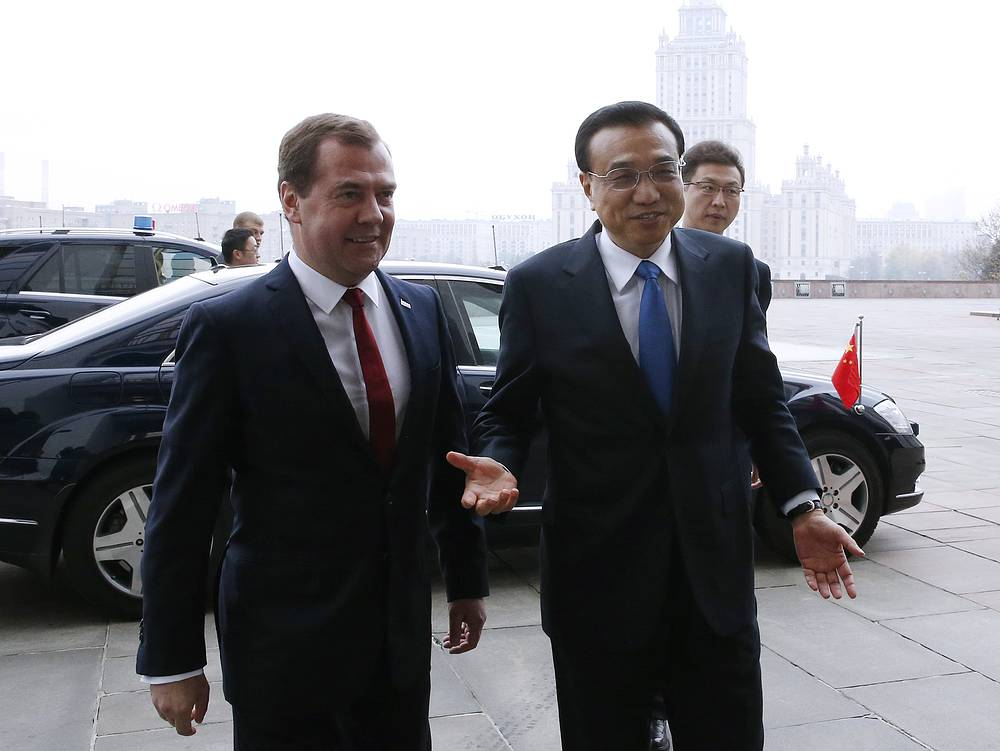 """В Пекине рассчитывают, что данный визит """"будет способствовать укреплению политического доверия, усилению взаимной поддержки РФ и КНР в области суверенитета и территориальной целостности"""", отметили в МИД Китая"""
